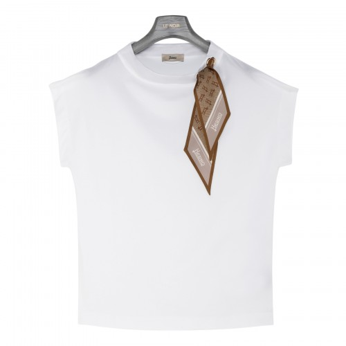 White jersey T-shirt with branded scarf